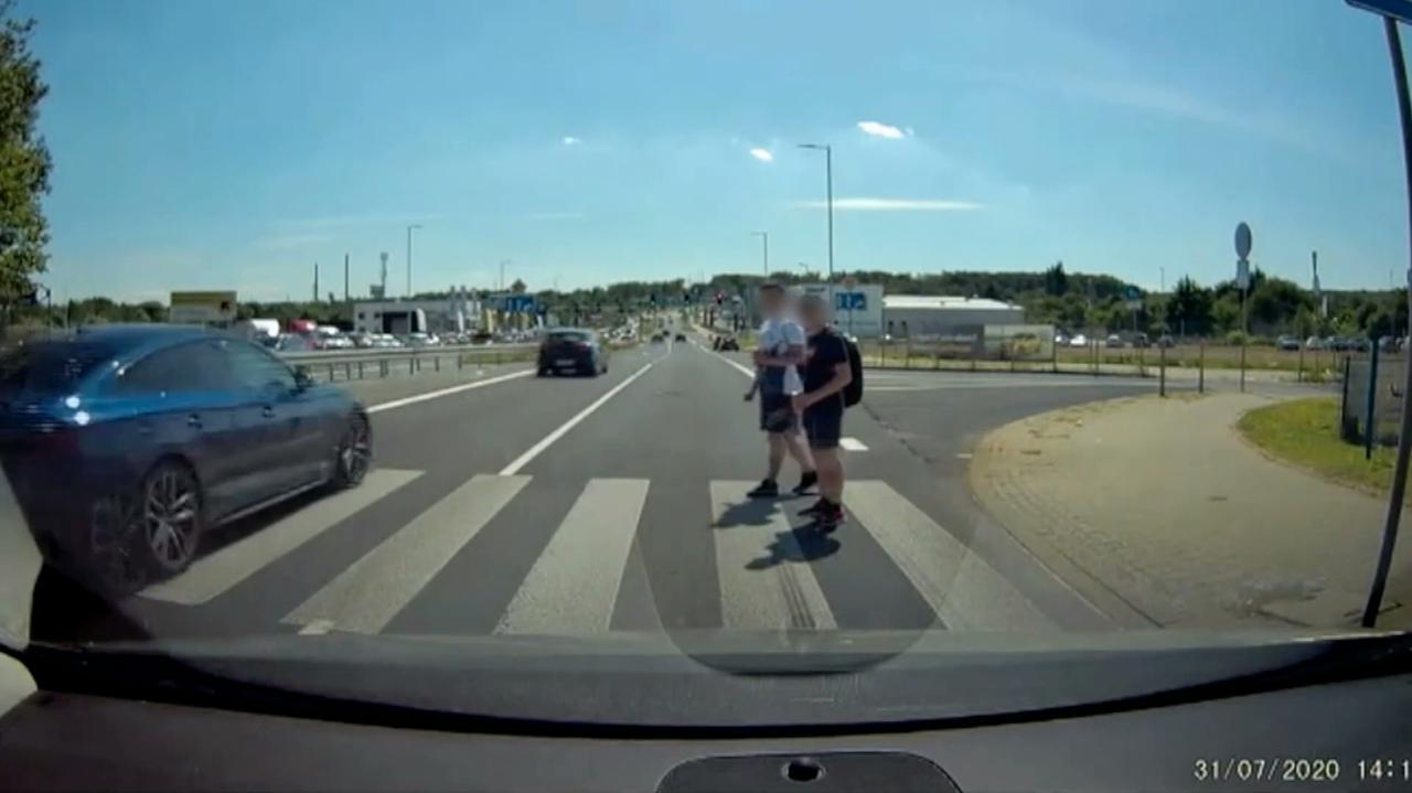 Niebezpieczne przejścia dla pieszych. Drogowcy obiecują poprawę