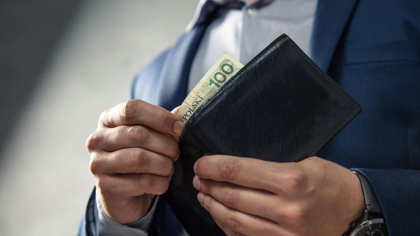 Niedzielski: osoby, które do tej pory zarabiały najniższe wynagrodzenia będą miały zwyżkę