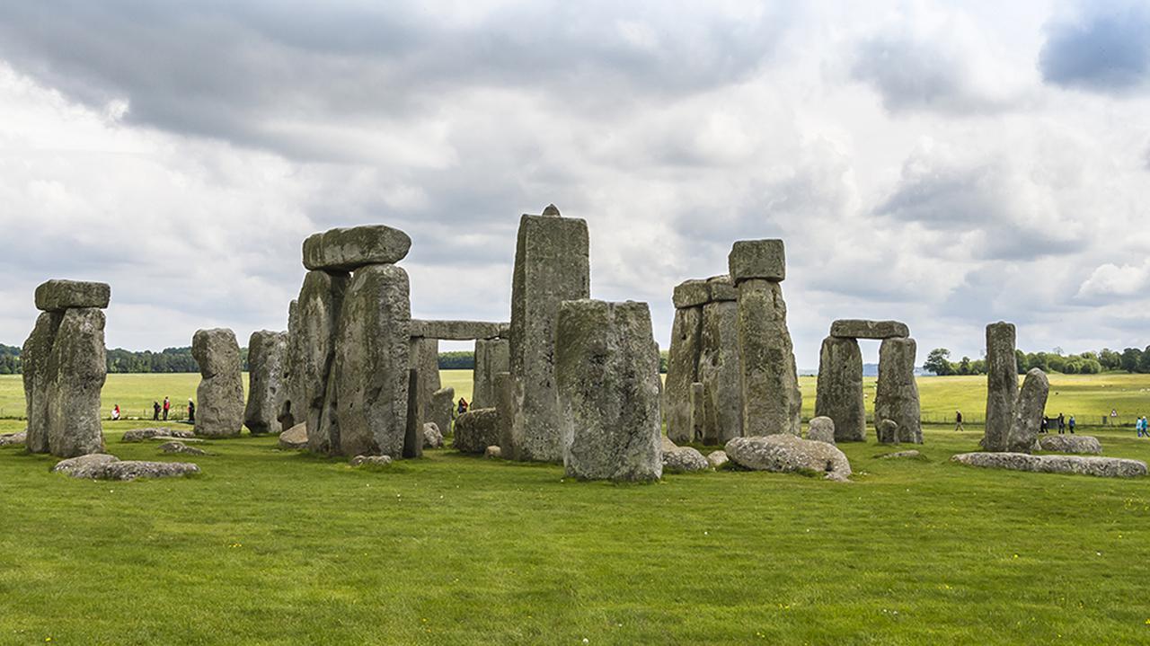 Skreślili Liverpool z listy UNESCO, Stonehenge i Edynburg mogą być następne
