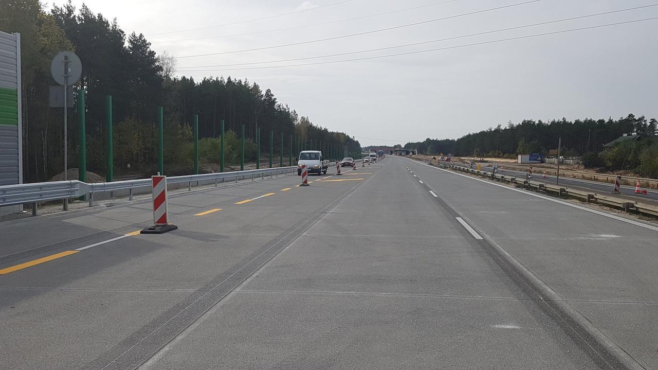 Kilka kilometrów nowej autostrady A1. Pierwsze samochody na trasie