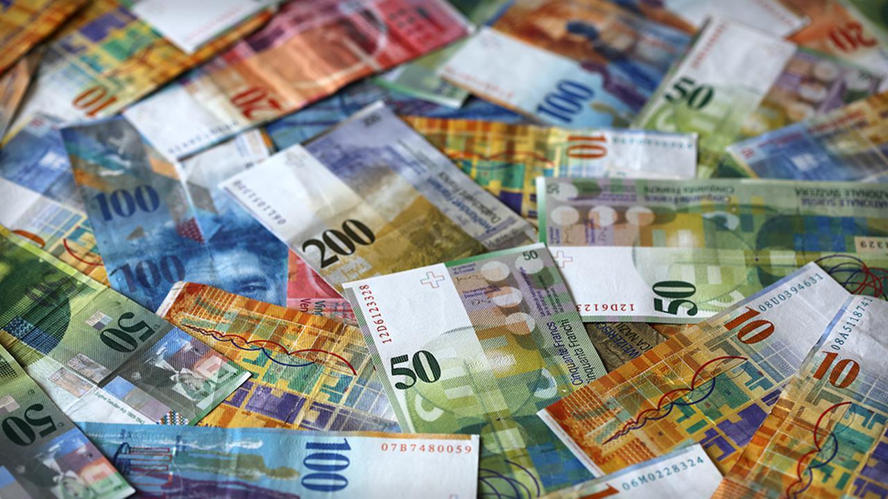 Różne scenariusze w sprawie kredytów frankowych. KNF podał koszt dla banków