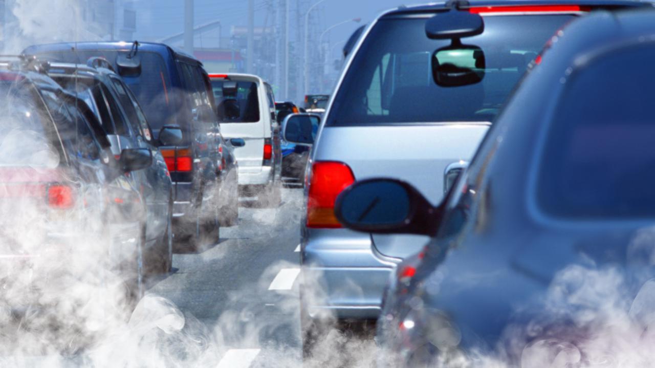 Nowe limity emisji. Branża motoryzacyjna obawia się radykalnego scenariusza