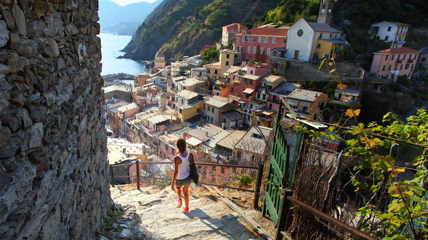 Riomaggiore w krainie Cinque Terre na Riwierze Liguryjskiej (wideo bez dźwięku)