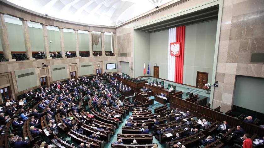 Majątek rodzin polityków ma być jawny. Jest decyzja Sejmu