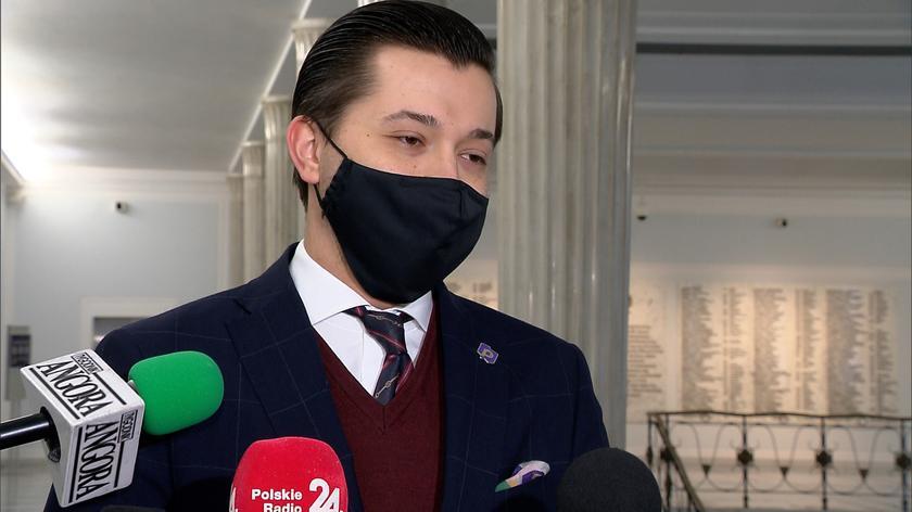 Czy Polska powinna się zdecydować na ograniczenia dla niezaszczepionych? Politycy komentują