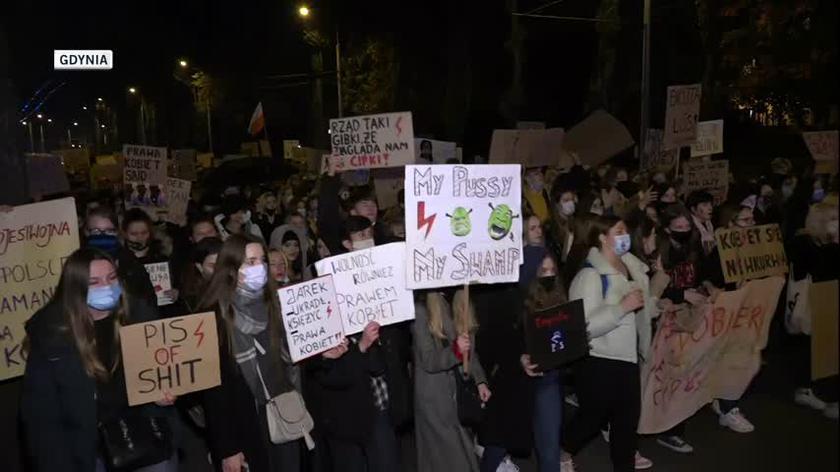 Wtorkowe protesty między innymi w Gdyni, Łodzi, Olsztynie i Białymstoku