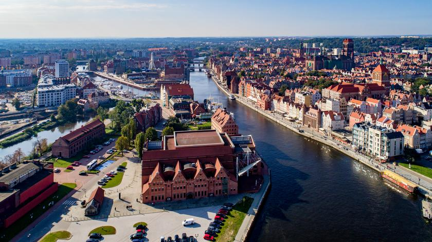 Prezydent Duda o rozwoju elektromobilności w Polsce