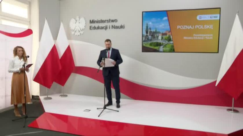 Minister Czarnek zapowiada dofinansowanie wycieczek szkolnych