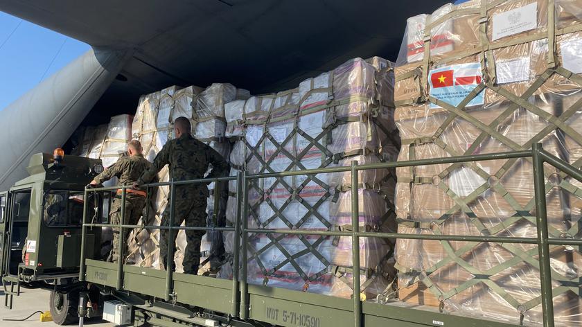 Polska wysyła transport z pomocą humanitarną dla Wietnamu