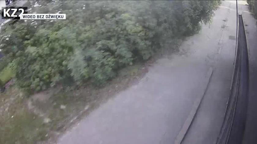 Monitoring z autobusu miejskiego, którym podróżował 25-latek