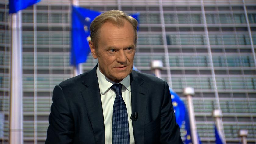 Do kogo Tusk zadzwonił w sprawie zgromadzenia na Placu Zamkowym?