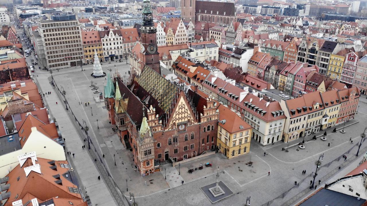 Prezydent Wrocławia miał debatować z burmistrzem Oxfordu. Spotkanie odwołano z powodu koronawirusa