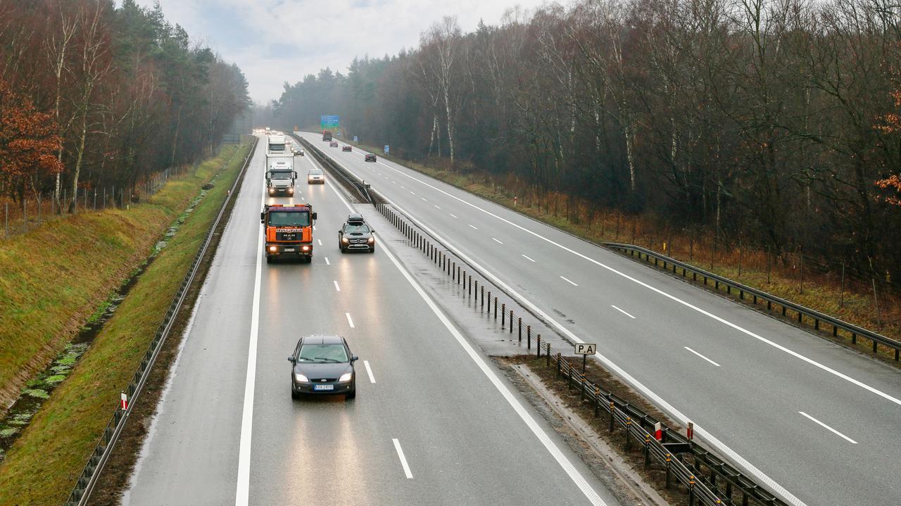 Mały lockdown wpływa na ruch drogowy. Dwucyfrowe spadki