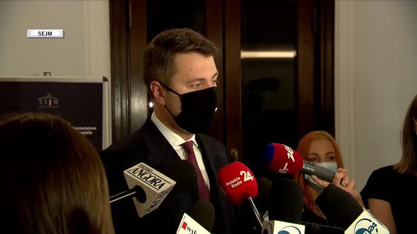 Rzecznik rządu: bez większej liczby szczepień grozi nam czwarta fala i obostrzenia na jesień