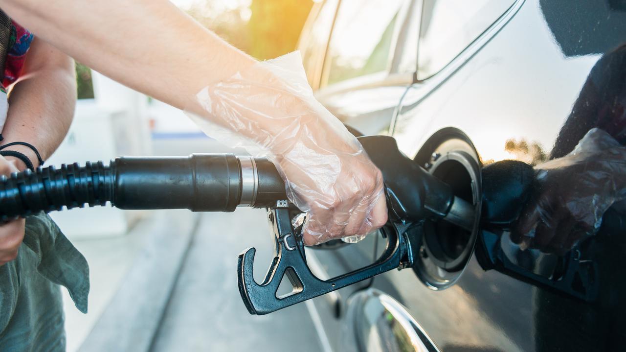 Obniżka akcyzy na paliwa nie oznacza obniżki cen na stacjach. Ministerstwo tłumaczy