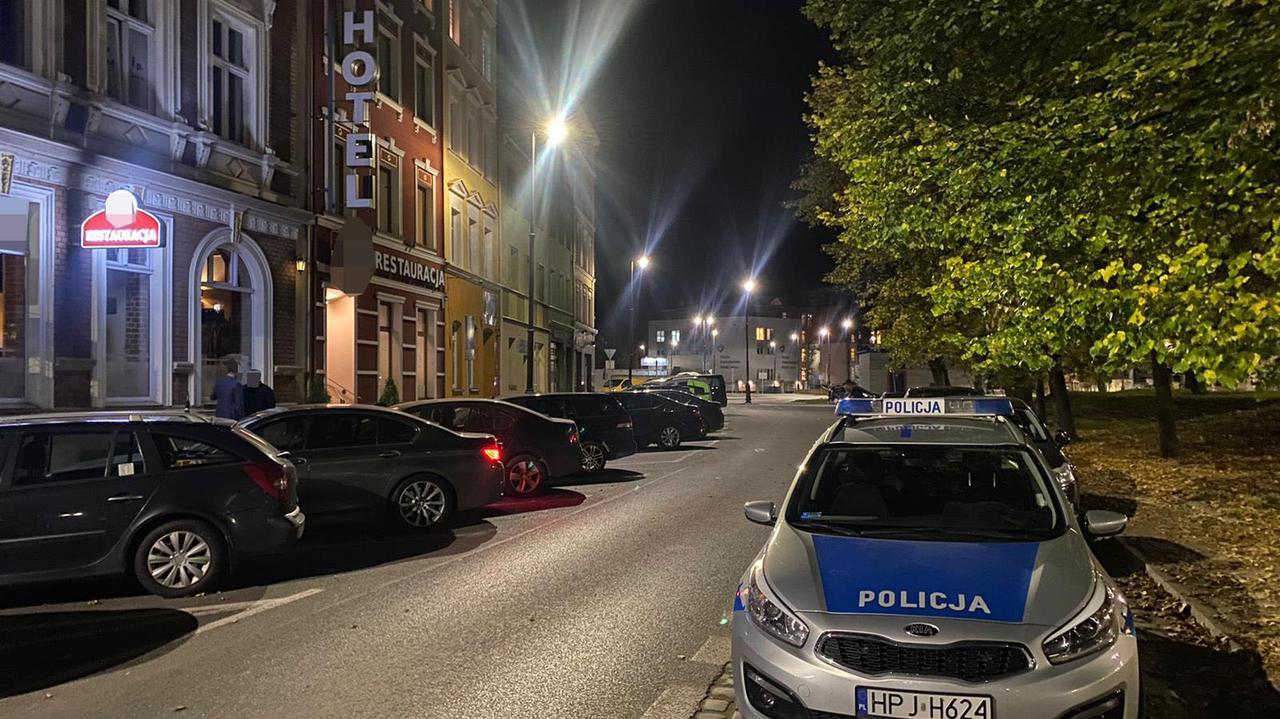 Poseł i samorządowcy w hotelowej restauracji, sprawę wyjaśnia policja.