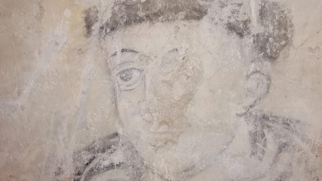 Ta tajemnica czekała na odkrycie od setek lat. Skuli tynk i zobaczyli wizerunek mnicha