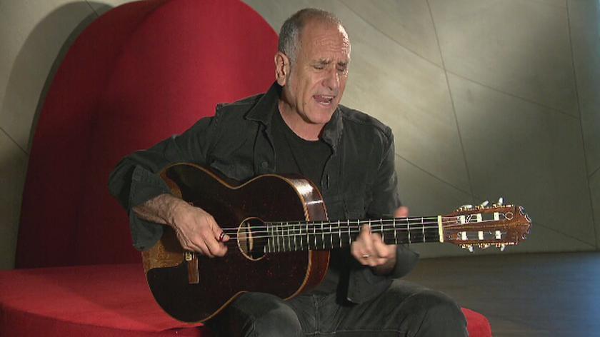 TVN24's Łukasz Jedliński interviews Israeli songwriter David Broza