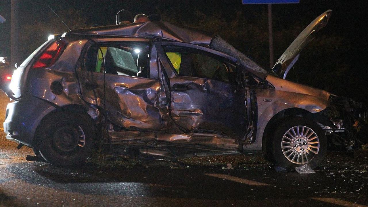 Zaoferował, że odwiezie Olę i Wiktorię. Doszło do wypadku, dziewczynki zginęły. 20-letni kierowca usłyszał wyrok