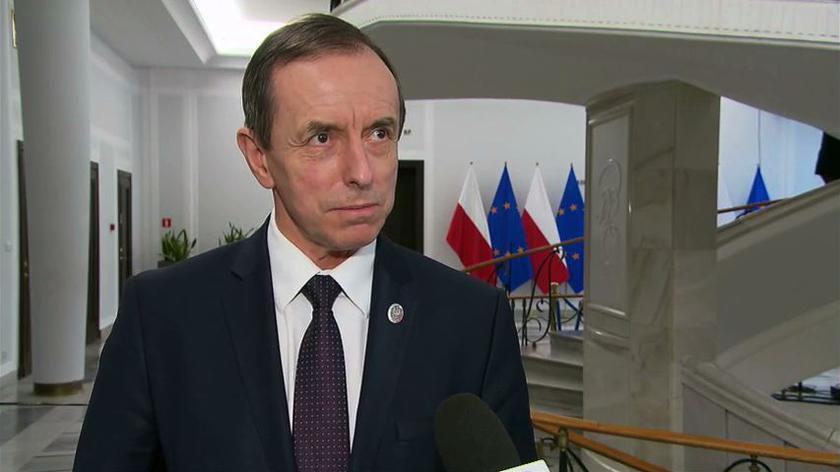 Reporter TVN24 o postępowaniu wobec członków Senatu, którzy mieli kontakt z zakażonym Piotrem Zgorzelskim
