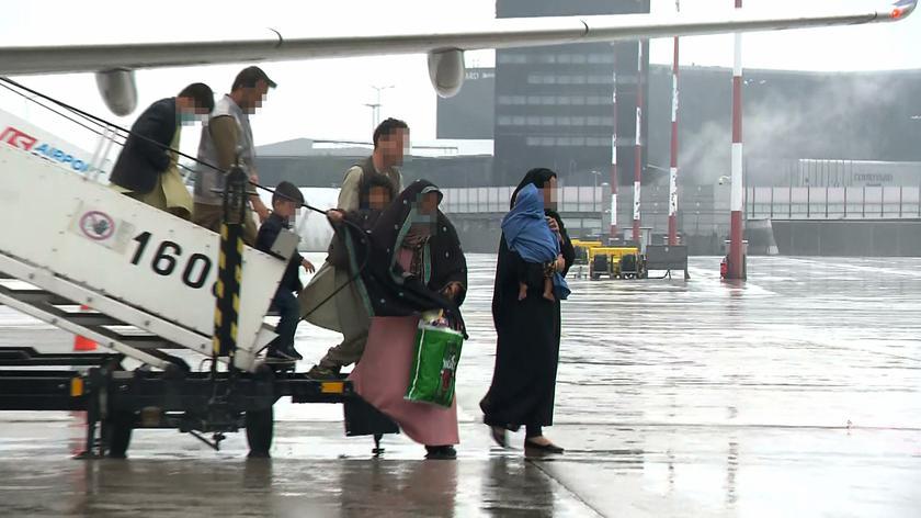 Wiceszef MSWiA: około 600 Afgańczyków ewakuowanych do Polski złożyło wnioski uchodźcze