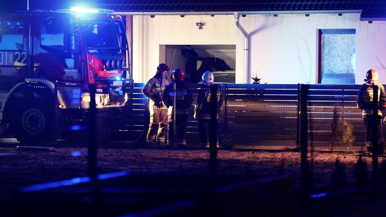 Eksplozja wyrwała drzwi garażu, jedna osoba nie żyje