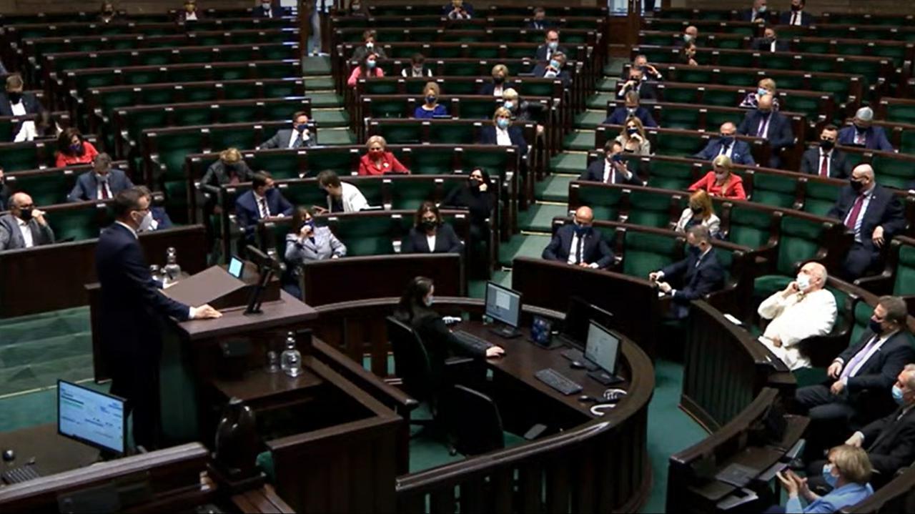 Budka: Solidarną Polskę zastąpiliście nowym koalicjantem - Lewicą. Głos zabierają przedstawiciele klubów