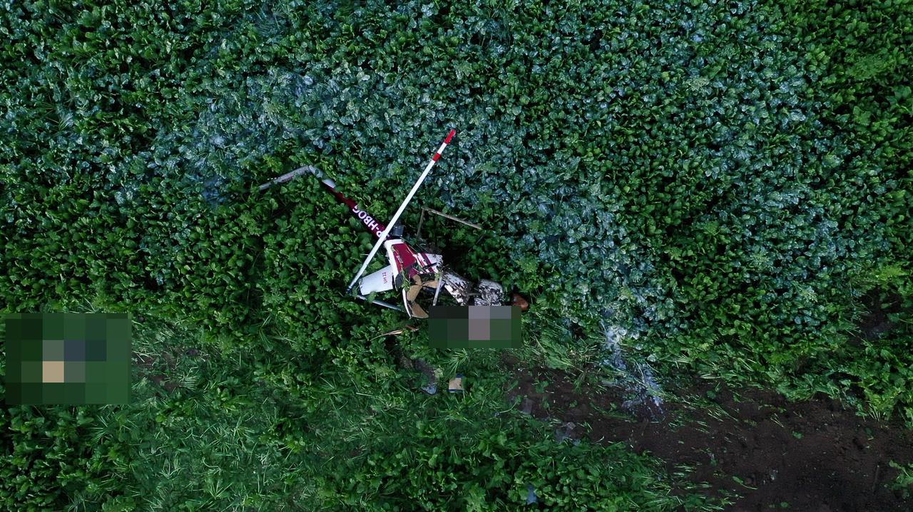 Śmigłowiec spadł na pola. Nie żyje dwóch mężczyzn