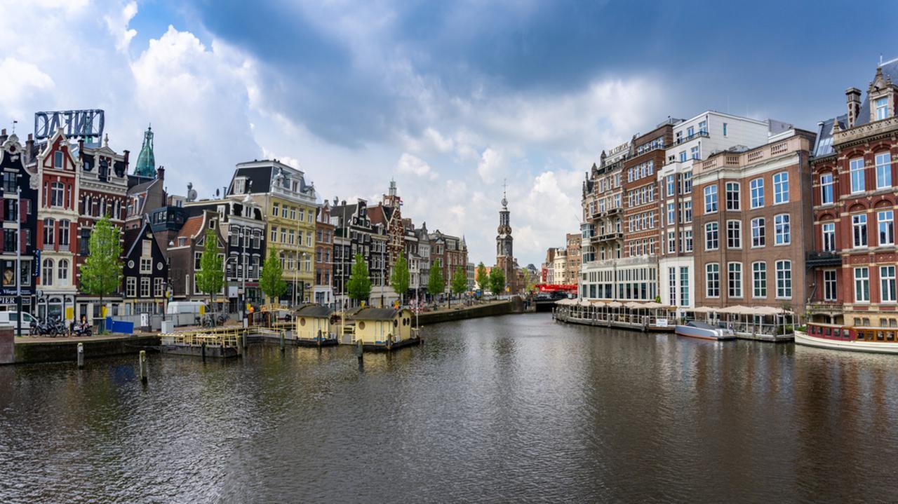 Restrykcje w Holandii. Obowiązkowe świadectwo zaszczepienia lub negatywny wynik testu