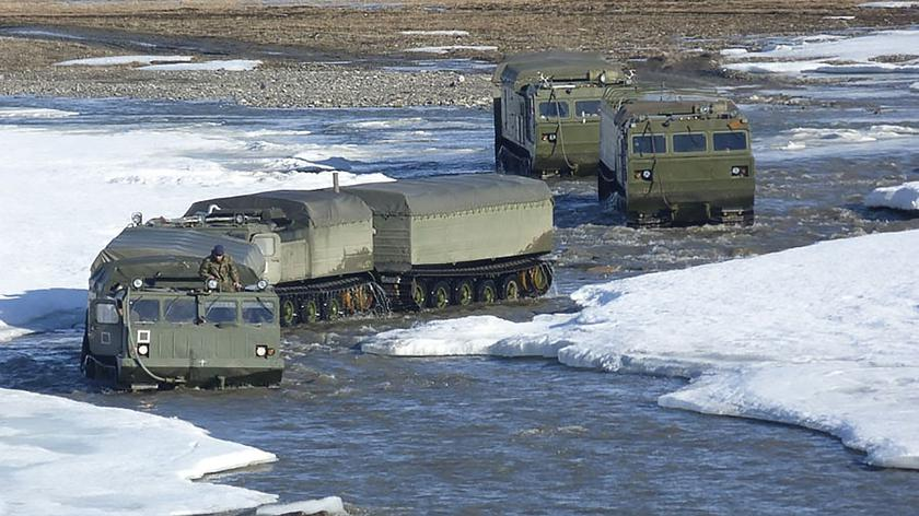 Loty szkoleniowe załóg myśliwców MiG-29 w Arktyce