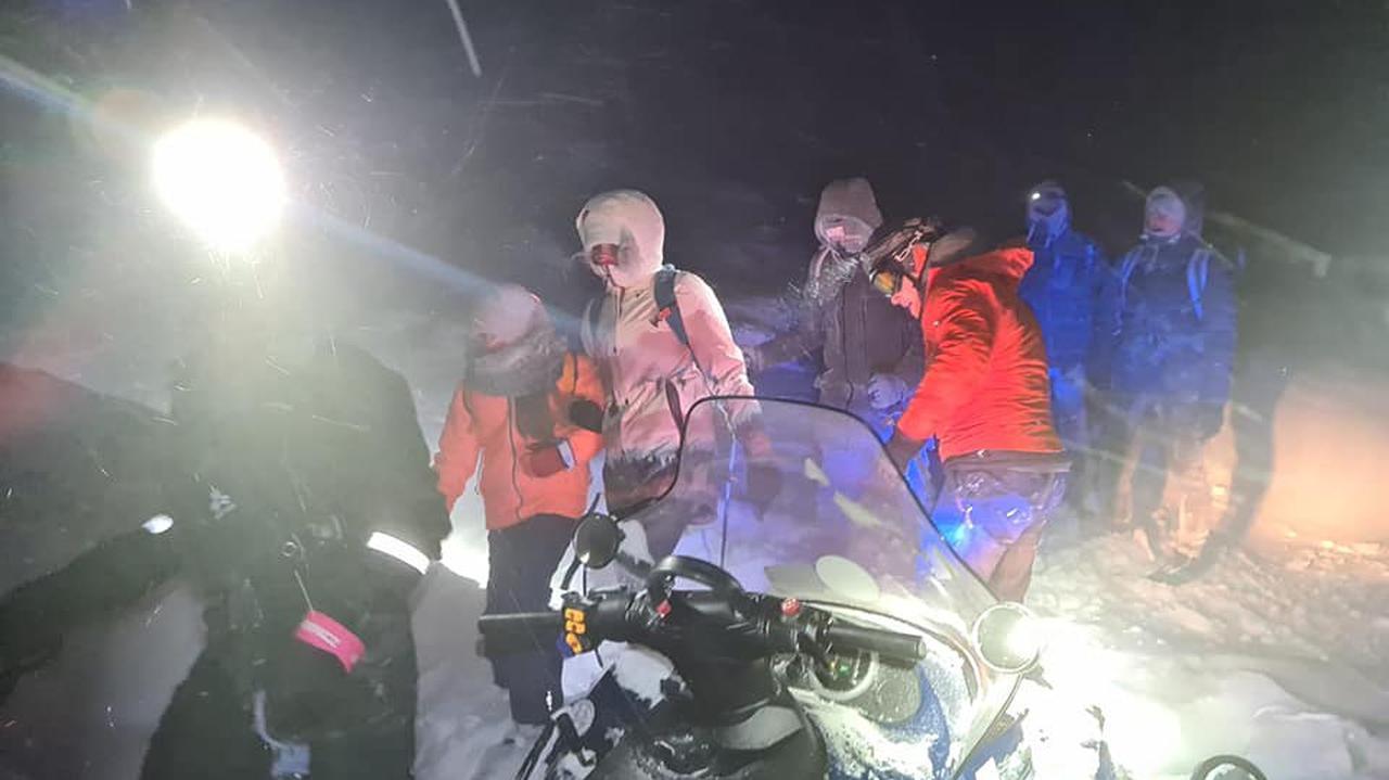 Poszli w góry, nie potrafili zejść. Ratownicy sprowadzili 10 osób z Karkonoszy