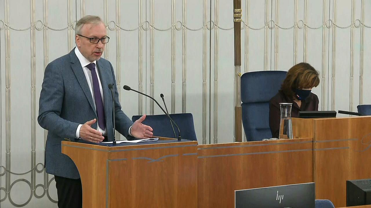 Senator Bogdan Zdrojewski o koncesji dla TVN24 i działaniach KRRiT: rada ma stać na straży interesu publicznego, nie partyjnego