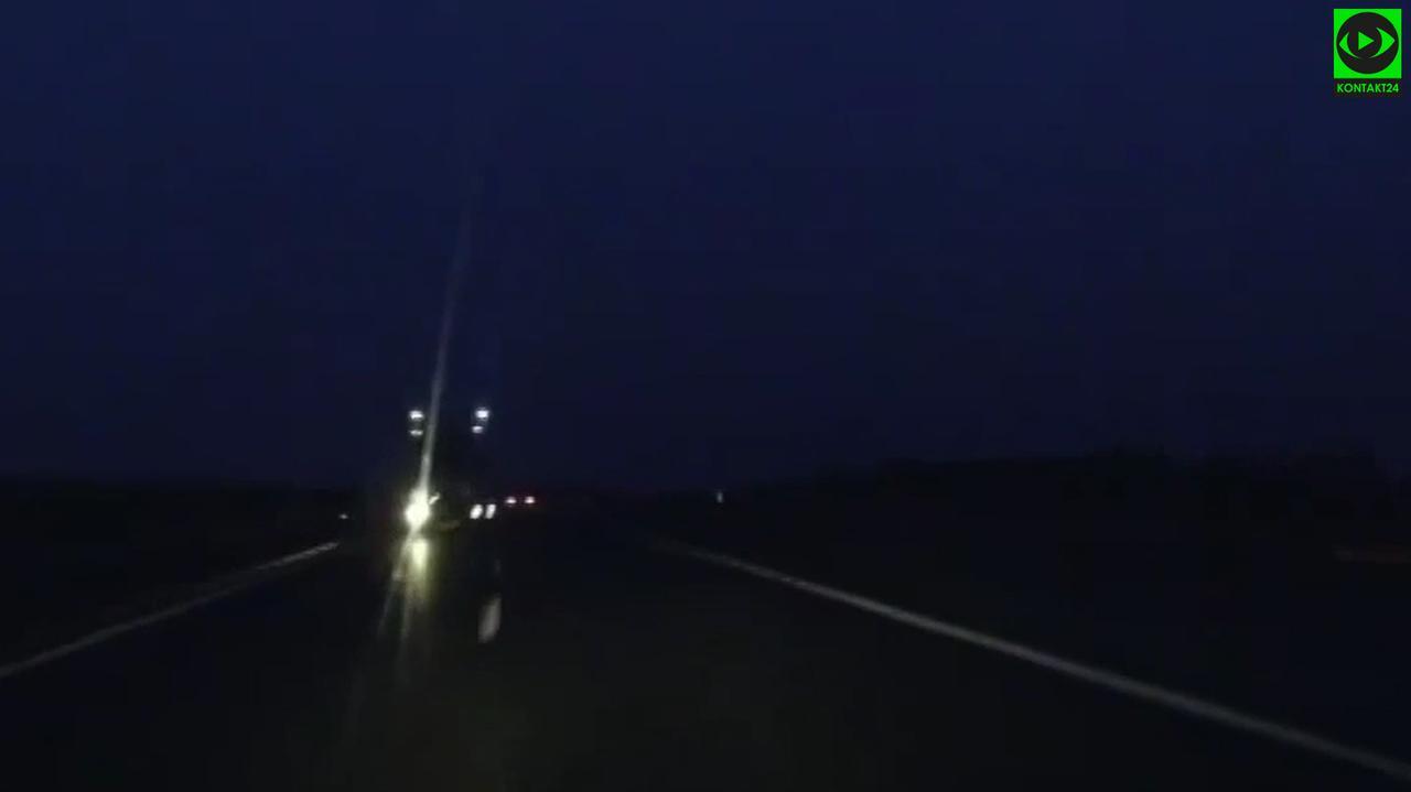 Jechał autostradą pod prąd, nie wiedział dlaczego.