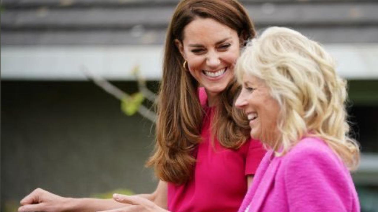 Przywódcy dyskutują na szczycie, pierwsza dama USA i księżna Kate pojechały do szkoły