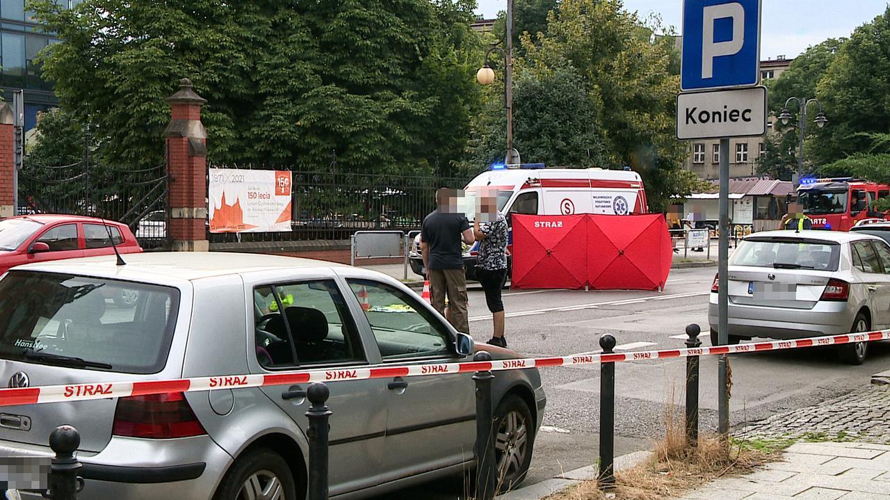 W centrum Katowic 19-latka potrącona przez autobus. Zginęła na miejscu, kierowca odjechał