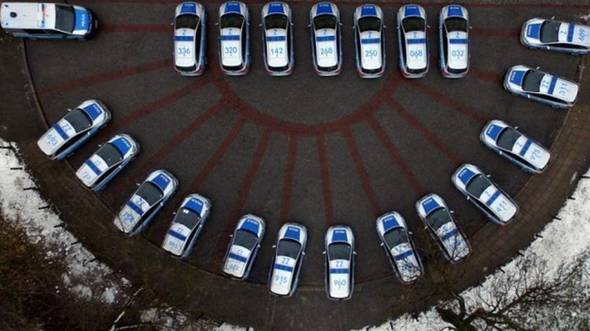 Nowe radiowozy Komenda Stołeczna Policji prezentowała w grudniu
