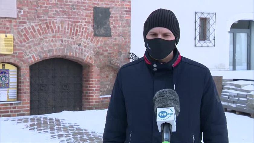 Krempa, kierownik działu inwestycji Zamku, przyznaje, że odkrycie tuneli opóźni remont zabytku