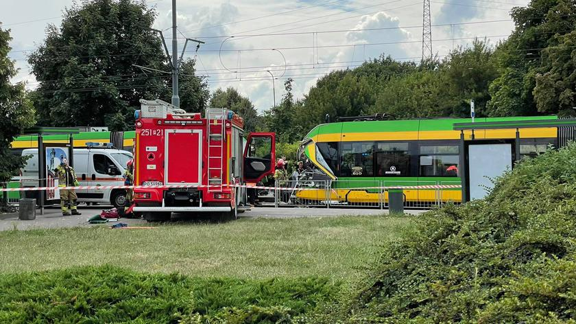 Poznań: Zderzenie dwóch tramwajów. Motorniczy musiał przejść operację (materiał z 5.08.2021)