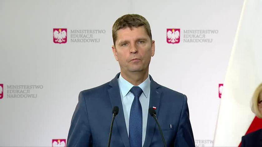 Minister Piontkowski przekazał, że w tym roku szkolnym dzieci nie wrócą do szkół