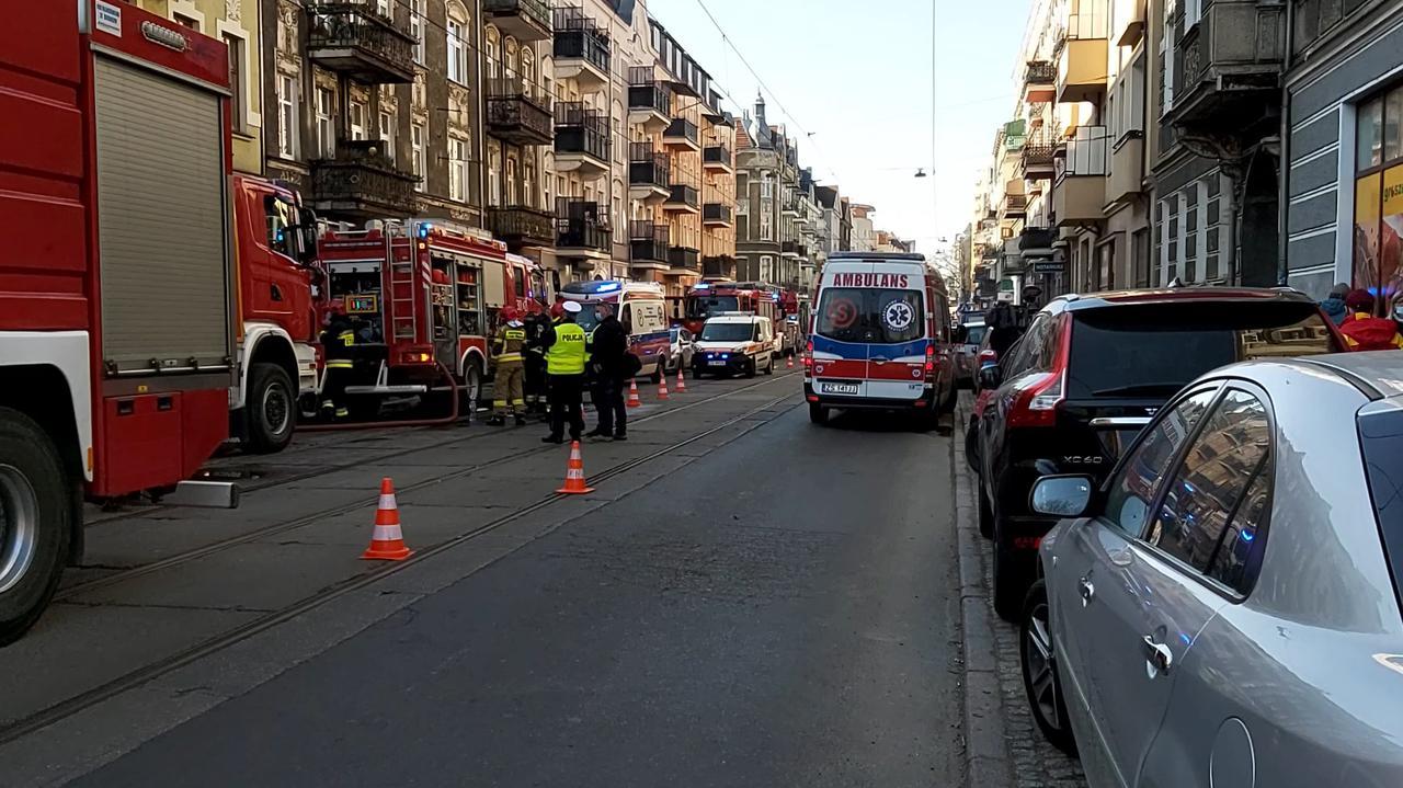 Tragiczny pożar w kamienicy. Jedna osoba nie żyje, cztery w szpitalu