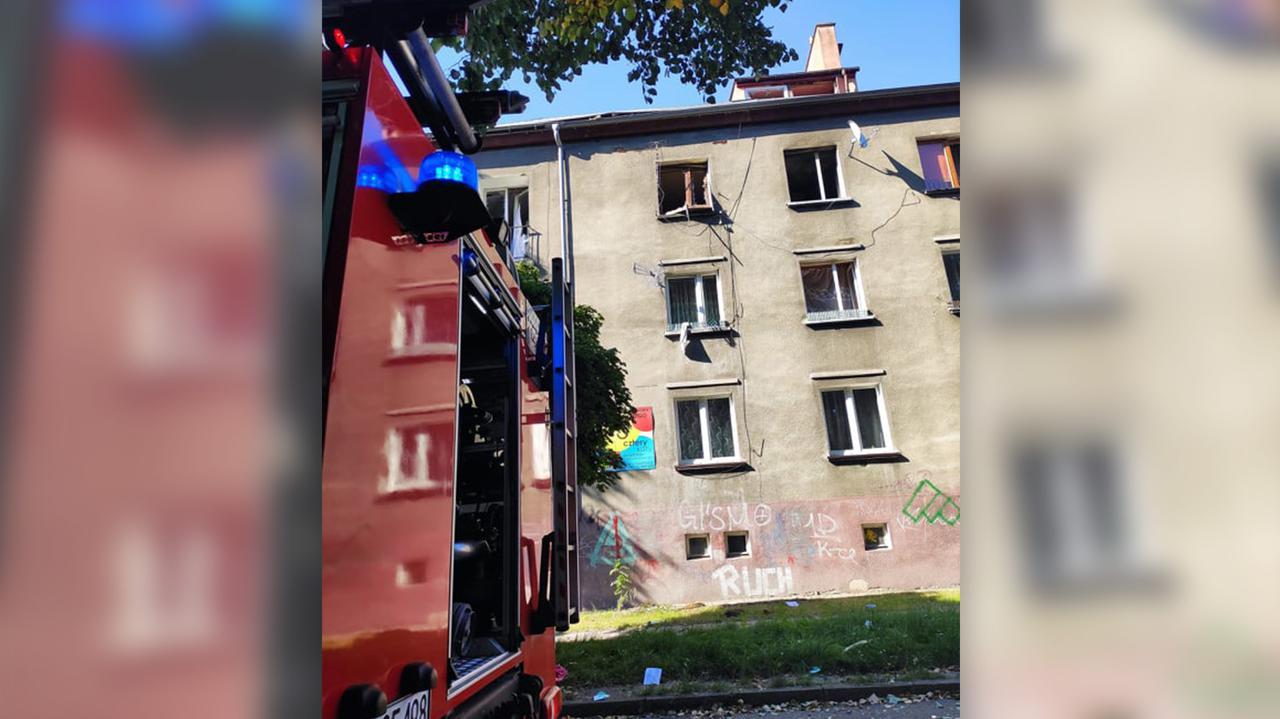 Wybuch gazu w budynku wielorodzinnym w Zawierciu. Straż pożarna: pięć osób poszkodowanych