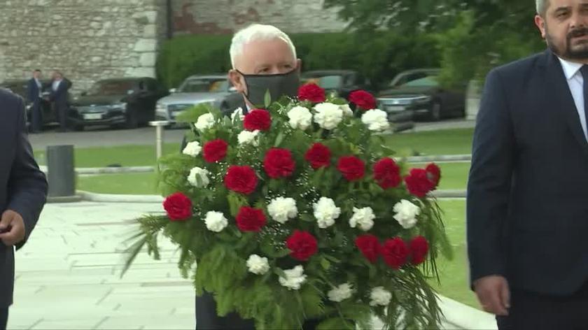 Na Wawelu odprawiono mszę św. w 72. urodziny Lecha Kaczyńskiego oraz Jarosława Kaczyńskiego