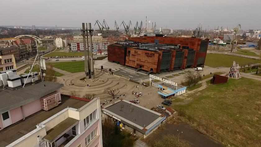 Wicepremier Gliński cofnął trzy miliony dotacji dla ECS