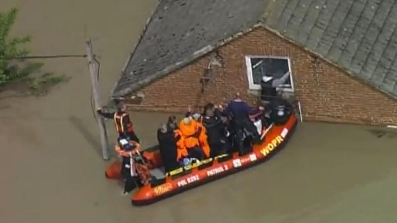 Powódź w Sokolnikach. Pan Stanisław czekał na ewakuację, pomoc nadeszła w ostatniej chwili