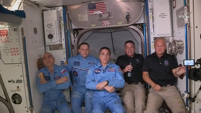 Nagranie z momentu dokowania Dragona do ISS