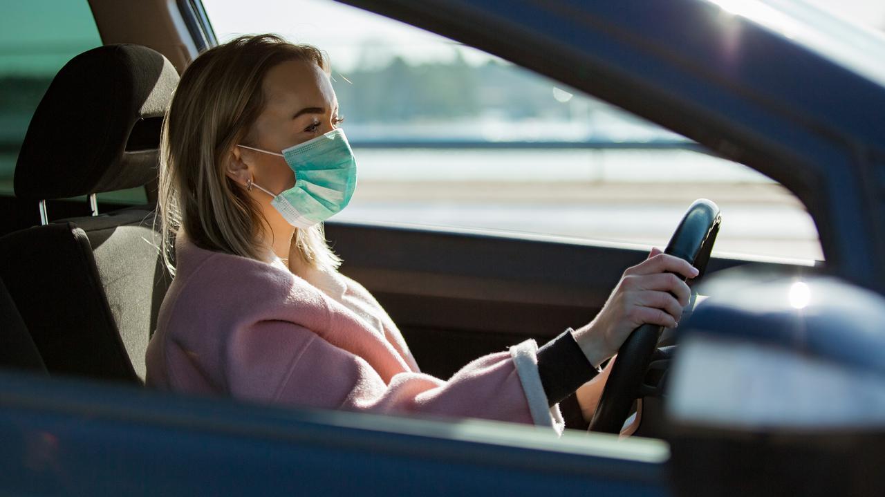 Czytrzeba zakrywać usta inos wsamochodzie? Niejasny zapis w nowym rozporządzeniu