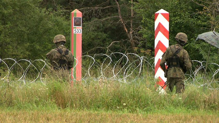 Osoby, które chciały zniszczyć zasieki na granicy z Białorusią usłyszały zarzuty zniszczenia mienia (materiał z 31.08.2021)