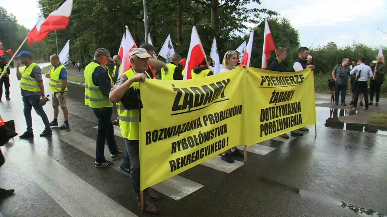 Blokowali drogę na Hel, armatorów wsparli rolnicy