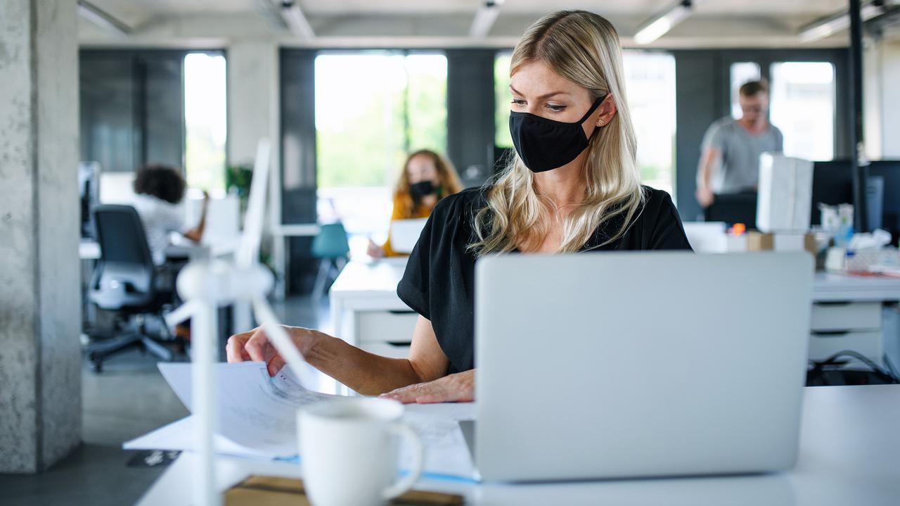 Czy boimy się końca pracy zdalnej i powrotu do biura? Wyniki ankiety