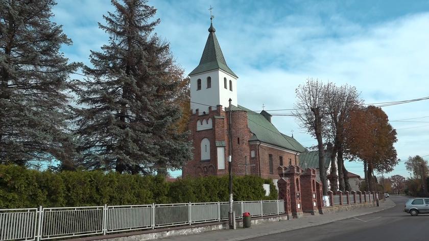 Umorzono sprawę księdza Piotra S. Z broni miał celować najpierw do manifestantów, później do policjantów